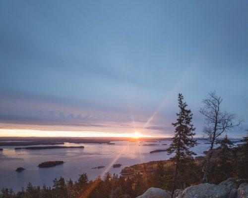 https://www.visitkarelia.fi/files/vk-elivosk-sunset2-jpg.jpg