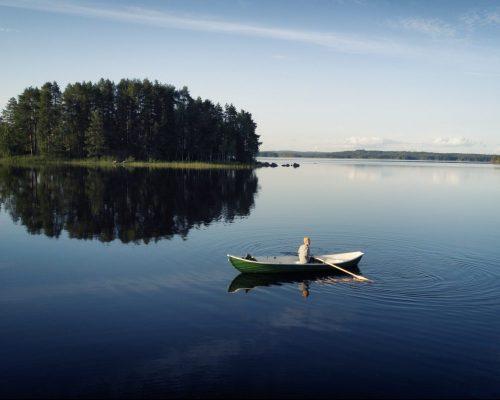 https://www.visitkarelia.fi/files/vk-harri-tarvainen-boatinlake-jpg-3-e1622443412164.jpg