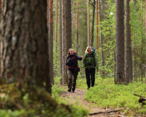 https://www.visitkarelia.fi/files/vk-harri-tarvainen-hikers4-jpg-e1604929683503.jpg