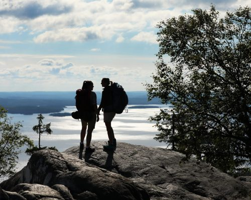 https://www.visitkarelia.fi/files/vk-harri-tarvainen-hiking2-jpg-1.jpg