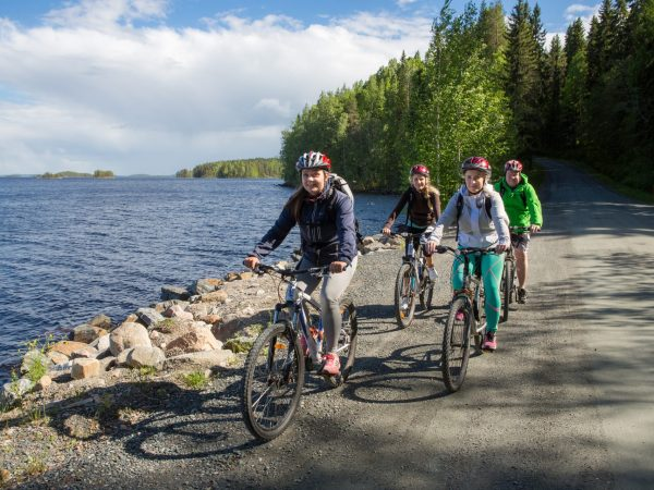vk-bike-summer-lake