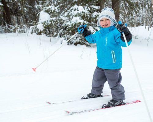 https://www.visitkarelia.fi/files/vk-jarno-artika-kolifreetime-skiing7-jpg.jpg